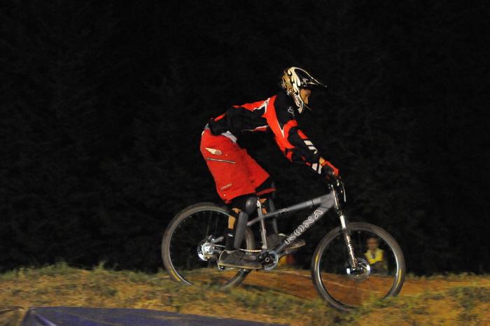 2008緑山ジャパンオープンナイトレースVOL 8:MTB エキスパートクラス予選第3ヒート、決勝_b0065730_2248654.jpg