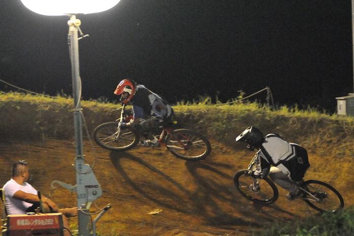 2008緑山ジャパンオープンナイトレースVOL 8:MTB エキスパートクラス予選第3ヒート、決勝_b0065730_22513486.jpg