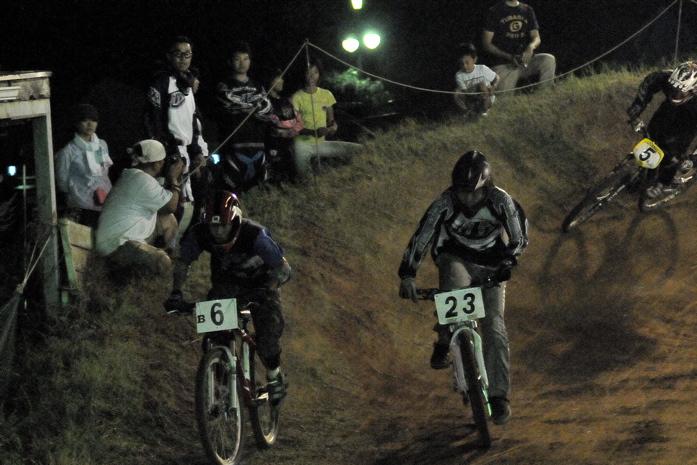 2008緑山ジャパンオープンナイトレースVOL 8:MTB エキスパートクラス予選第3ヒート、決勝_b0065730_2251504.jpg
