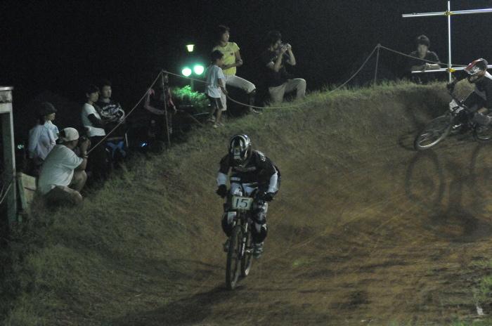 2008緑山ジャパンオープンナイトレースVOL 8:MTB エキスパートクラス予選第3ヒート、決勝_b0065730_22534059.jpg