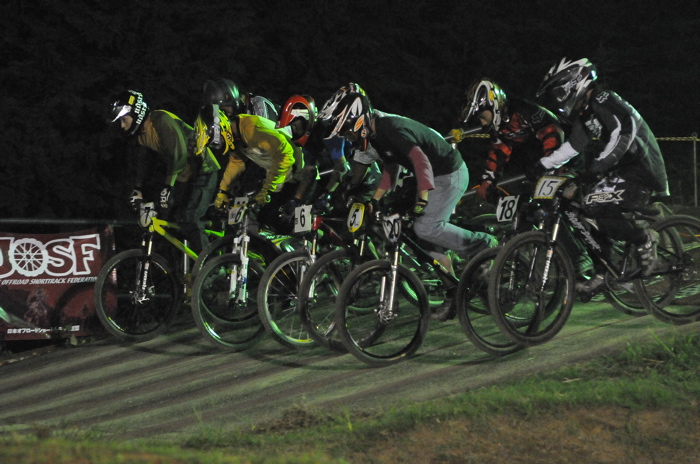 2008緑山ジャパンオープンナイトレースVOL 8:MTB エキスパートクラス予選第3ヒート、決勝_b0065730_22553135.jpg