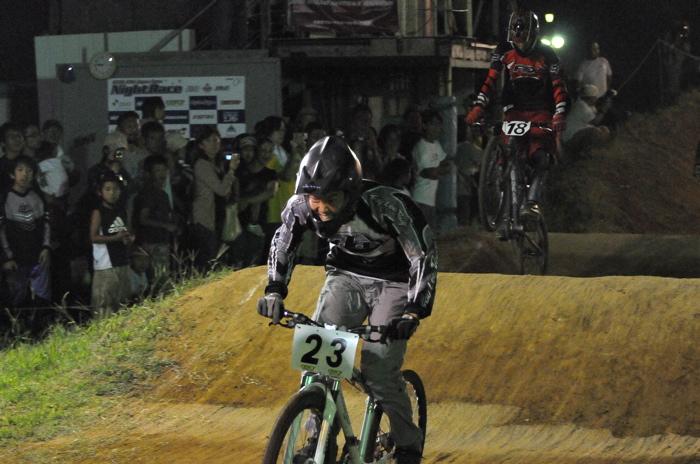 2008緑山ジャパンオープンナイトレースVOL 8:MTB エキスパートクラス予選第3ヒート、決勝_b0065730_2301418.jpg