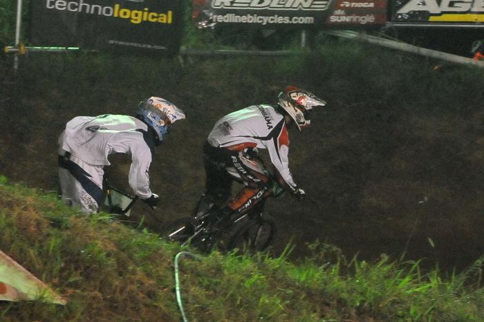 2008緑山ジャパンオープンナイトレースVOL 6:BMXエキスパートクラス決勝_b0065730_6584986.jpg
