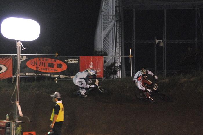 2008緑山ジャパンオープンナイトレースVOL 6:BMXエキスパートクラス決勝_b0065730_6592425.jpg