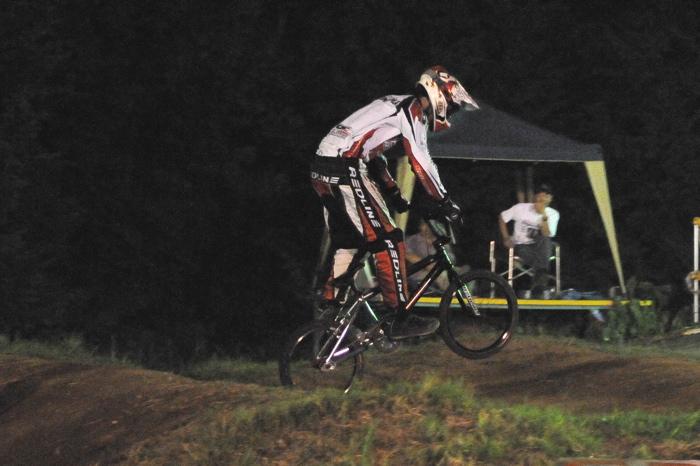 2008緑山ジャパンオープンナイトレースVOL 6:BMXエキスパートクラス決勝_b0065730_7101651.jpg