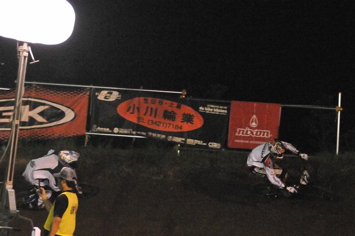 2008緑山ジャパンオープンナイトレースVOL 6:BMXエキスパートクラス決勝_b0065730_7102793.jpg