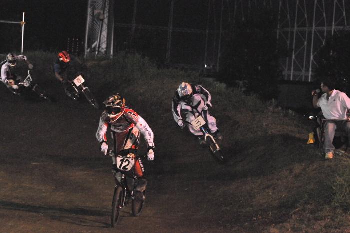 2008緑山ジャパンオープンナイトレースVOL 6:BMXエキスパートクラス決勝_b0065730_7104164.jpg