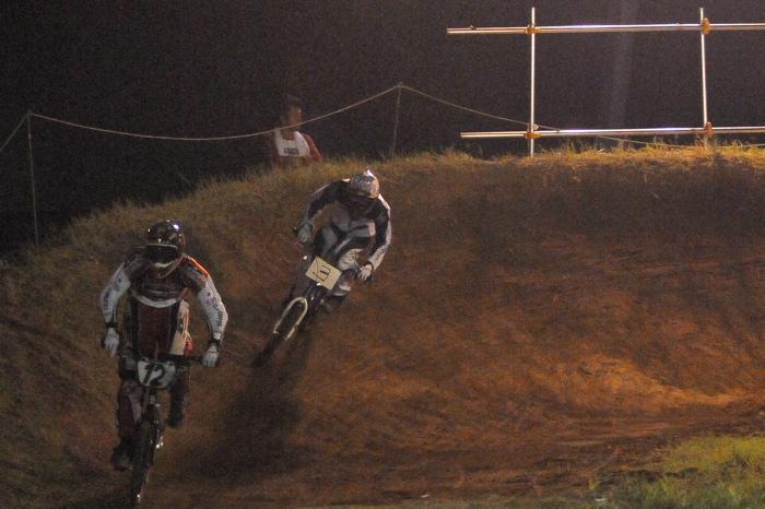 2008緑山ジャパンオープンナイトレースVOL 6:BMXエキスパートクラス決勝_b0065730_7114068.jpg