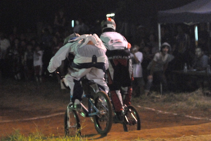 2008緑山ジャパンオープンナイトレースVOL 6:BMXエキスパートクラス決勝_b0065730_712186.jpg