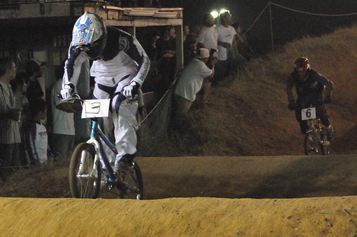 2008緑山ジャパンオープンナイトレースVOL 6:BMXエキスパートクラス決勝_b0065730_7122441.jpg