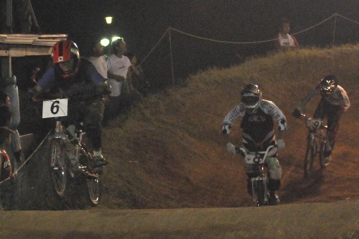 2008緑山ジャパンオープンナイトレースVOL 6:BMXエキスパートクラス決勝_b0065730_7123832.jpg