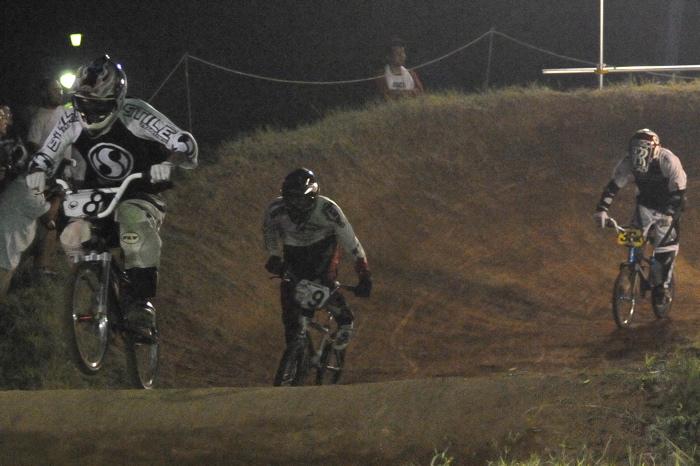 2008緑山ジャパンオープンナイトレースVOL 6:BMXエキスパートクラス決勝_b0065730_7125275.jpg