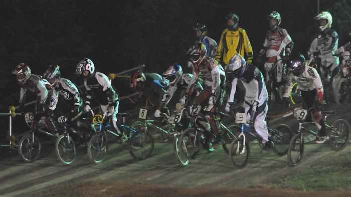 2008緑山ジャパンオープンナイトレースVOL 6:BMXエキスパートクラス決勝_b0065730_73136.jpg