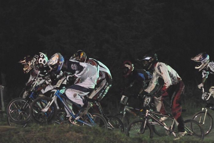 2008緑山ジャパンオープンナイトレースVOL 6:BMXエキスパートクラス決勝_b0065730_731382.jpg