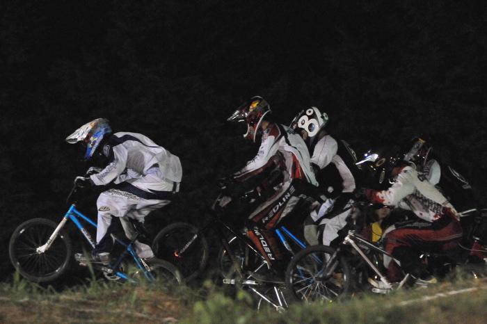 2008緑山ジャパンオープンナイトレースVOL 6:BMXエキスパートクラス決勝_b0065730_732357.jpg