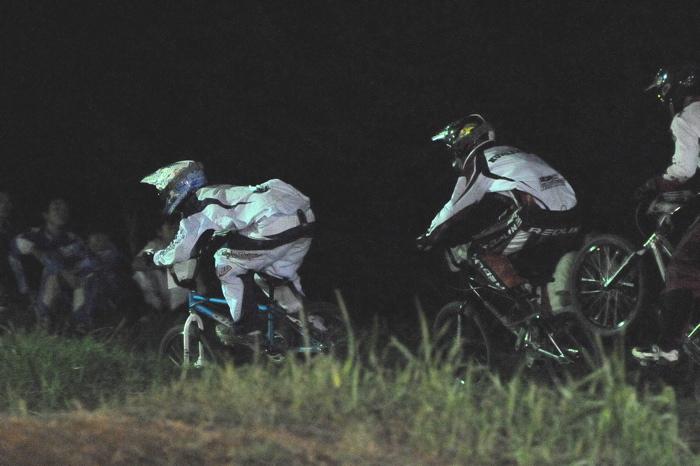 2008緑山ジャパンオープンナイトレースVOL 6:BMXエキスパートクラス決勝_b0065730_733687.jpg