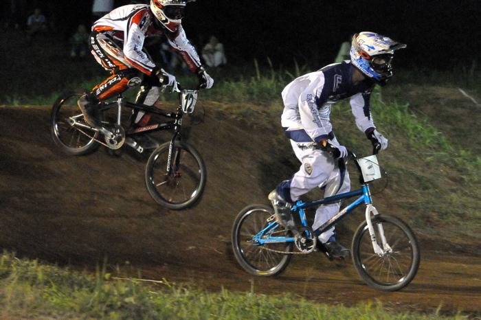 2008緑山ジャパンオープンナイトレースVOL 6:BMXエキスパートクラス決勝_b0065730_742316.jpg