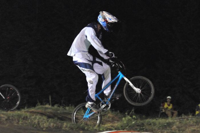2008緑山ジャパンオープンナイトレースVOL 6:BMXエキスパートクラス決勝_b0065730_743470.jpg