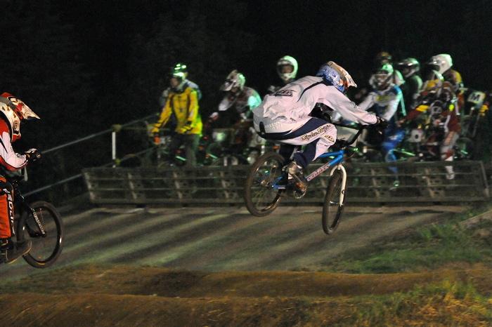 2008緑山ジャパンオープンナイトレースVOL 6:BMXエキスパートクラス決勝_b0065730_744954.jpg