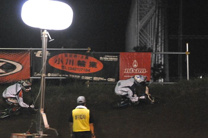 2008緑山ジャパンオープンナイトレースVOL 6:BMXエキスパートクラス決勝_b0065730_752035.jpg