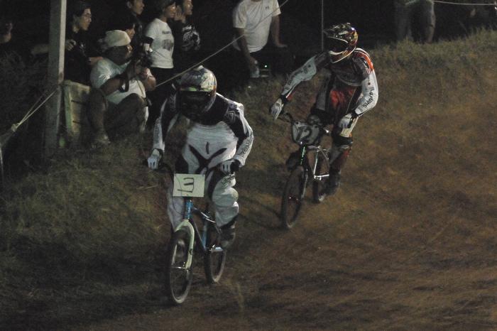 2008緑山ジャパンオープンナイトレースVOL 6:BMXエキスパートクラス決勝_b0065730_765324.jpg