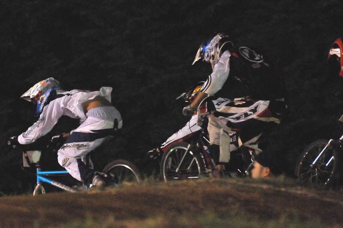 2008緑山ジャパンオープンナイトレースVOL 6:BMXエキスパートクラス決勝_b0065730_79677.jpg