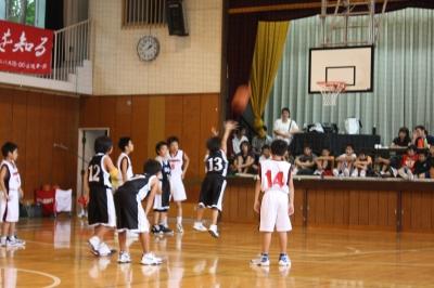 Rのバスケ試合 観戦_c0118352_144291.jpg