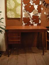 Desk (DENMARK)_c0139773_19273416.jpg
