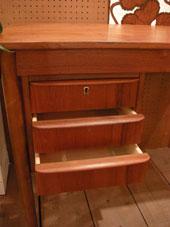 Desk (DENMARK)_c0139773_19274892.jpg