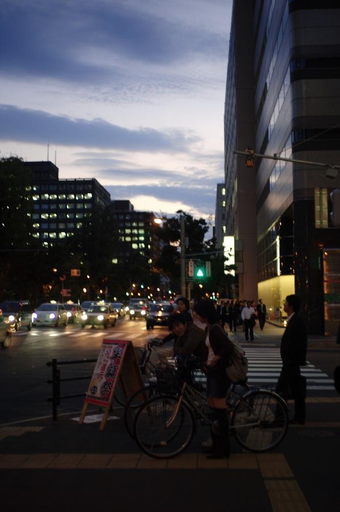 札幌、夕暮れの街7連発_f0042194_21561965.jpg