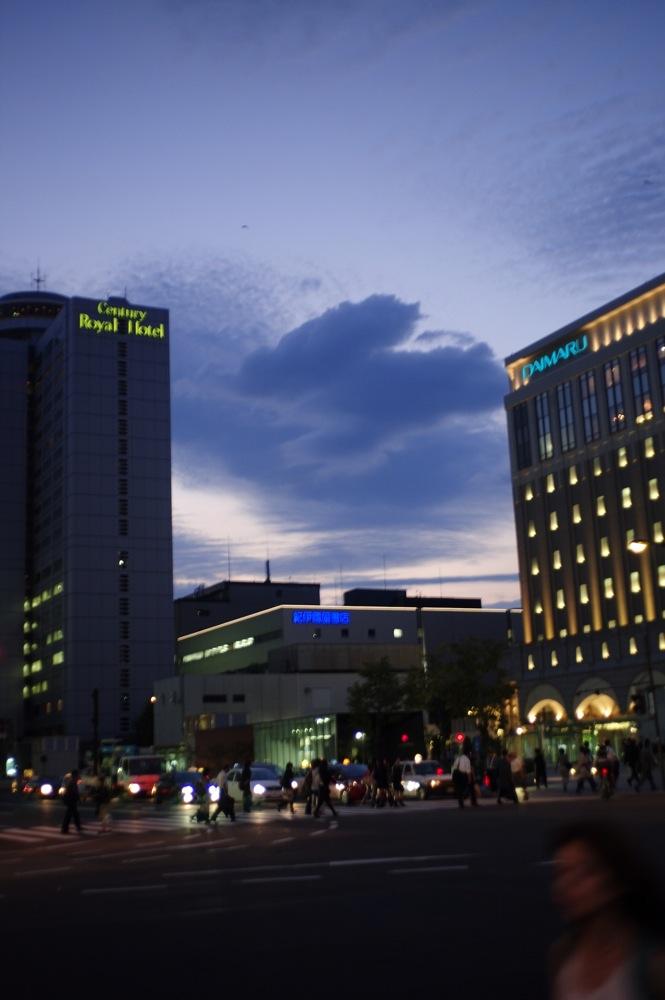 札幌、夕暮れの街7連発_f0042194_21562647.jpg
