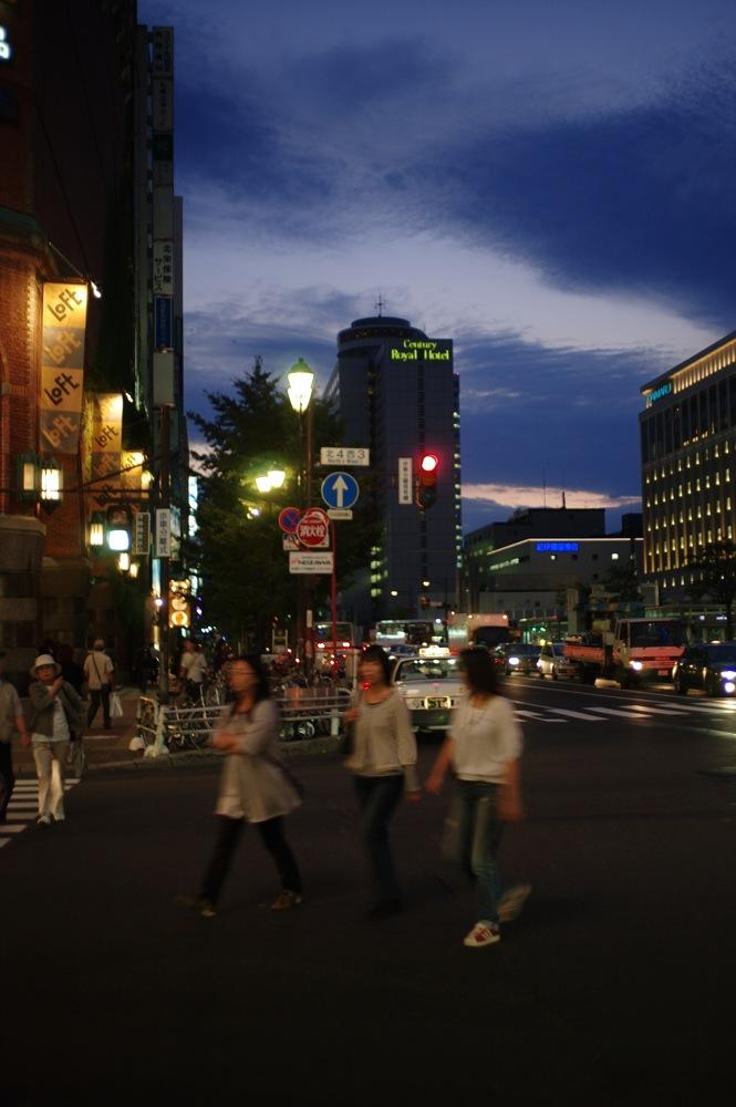札幌、夕暮れの街7連発_f0042194_2157441.jpg