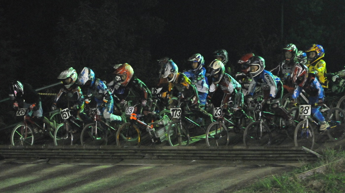 2008緑山ジャパンオープンナイトレースVOL14:ミルキー8、9、ジュニアクラス決勝_b0065730_205314100.jpg