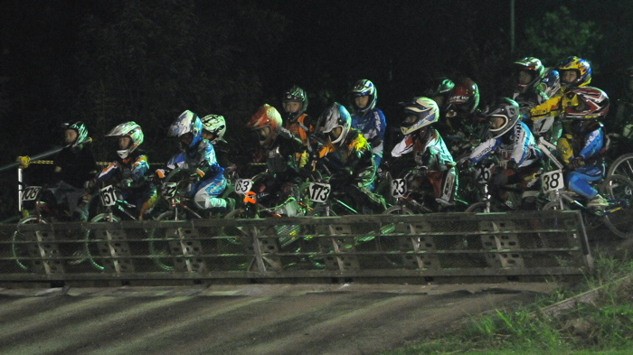 2008緑山ジャパンオープンナイトレースVOL14:ミルキー8、9、ジュニアクラス決勝_b0065730_2053338.jpg