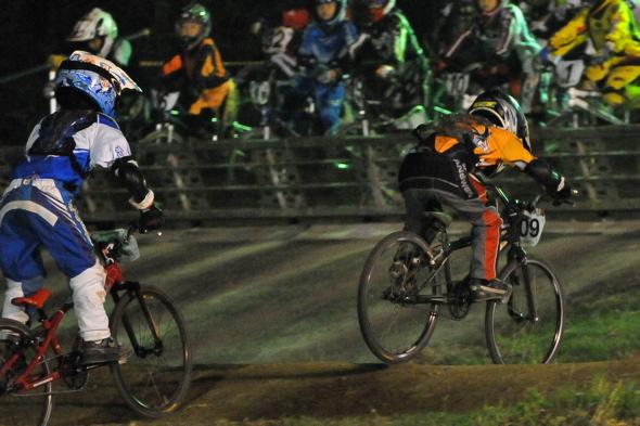 2008緑山ジャパンオープンナイトレースVOL14:ミルキー8、9、ジュニアクラス決勝_b0065730_20543483.jpg