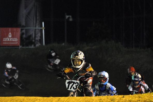 2008緑山ジャパンオープンナイトレースVOL14:ミルキー8、9、ジュニアクラス決勝_b0065730_20551499.jpg