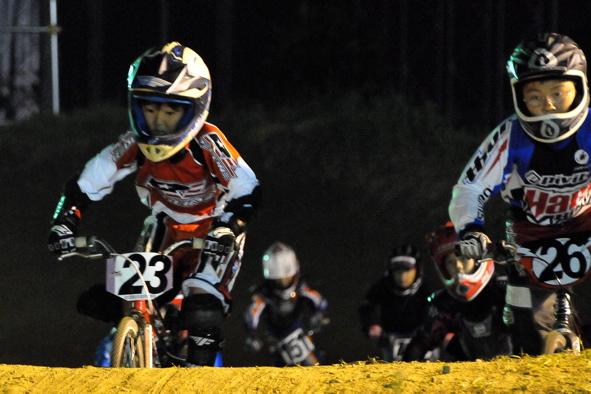 2008緑山ジャパンオープンナイトレースVOL14:ミルキー8、9、ジュニアクラス決勝_b0065730_20553971.jpg