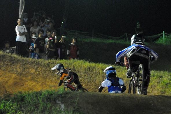 2008緑山ジャパンオープンナイトレースVOL14:ミルキー8、9、ジュニアクラス決勝_b0065730_2056885.jpg