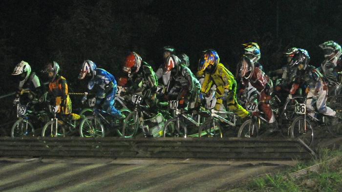 2008緑山ジャパンオープンナイトレースVOL14:ミルキー8、9、ジュニアクラス決勝_b0065730_2059267.jpg