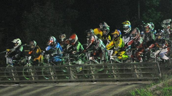 2008緑山ジャパンオープンナイトレースVOL14:ミルキー8、9、ジュニアクラス決勝_b0065730_205938.jpg