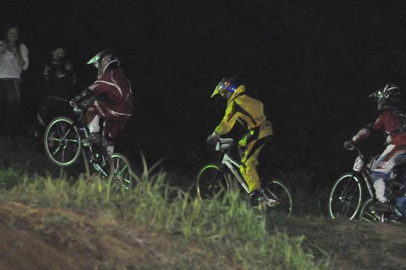 2008緑山ジャパンオープンナイトレースVOL14:ミルキー8、9、ジュニアクラス決勝_b0065730_2101641.jpg