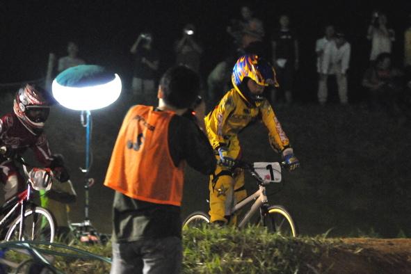 2008緑山ジャパンオープンナイトレースVOL14:ミルキー8、9、ジュニアクラス決勝_b0065730_2105422.jpg
