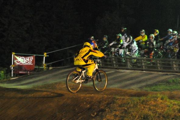 2008緑山ジャパンオープンナイトレースVOL14:ミルキー8、9、ジュニアクラス決勝_b0065730_2111598.jpg