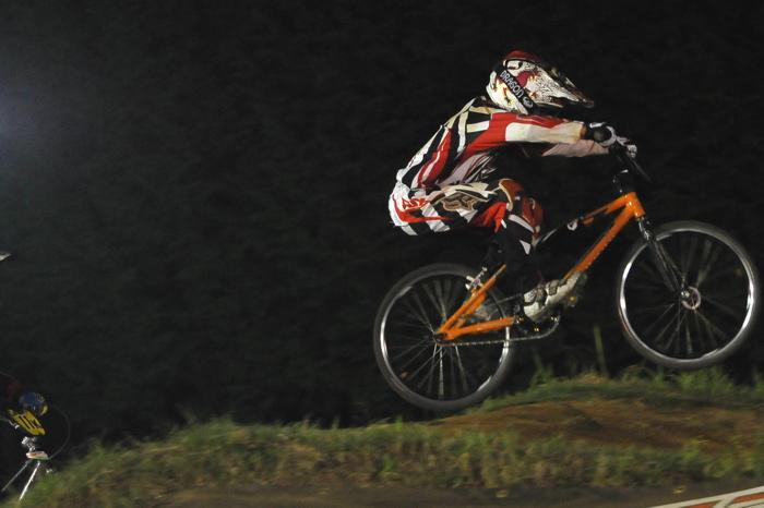 2008緑山ジャパンオープンナイトレースVOL14:ミルキー8、9、ジュニアクラス決勝_b0065730_2163313.jpg