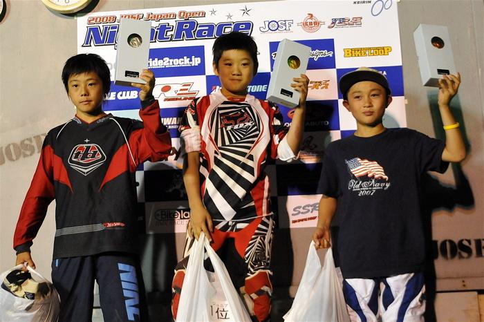 2008緑山ジャパンオープンナイトレースVOL14:ミルキー8、9、ジュニアクラス決勝_b0065730_2195856.jpg
