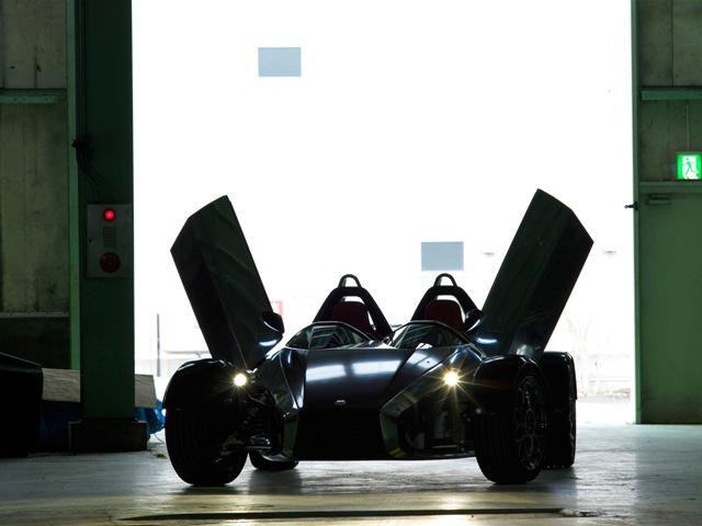 ド級コンセプトカーお披露目:タグ・ホイヤー_f0039351_17284544.jpg