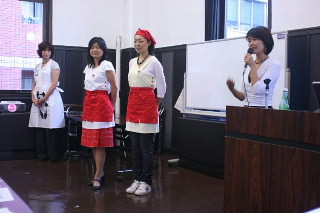 栄養士のためのファッションショーを開催して_d0046025_21231874.jpg