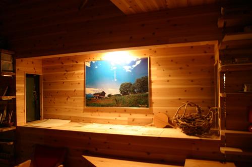 出窓のかたちの飾り棚_d0082238_22341054.jpg
