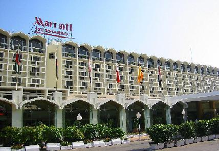マリオットホテルで自爆テロ_f0112655_142355100.jpg