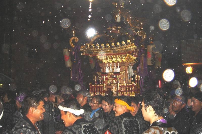 熊野宮神輿太鼓渡御 今年も雨の宮入り_f0059673_2244638.jpg